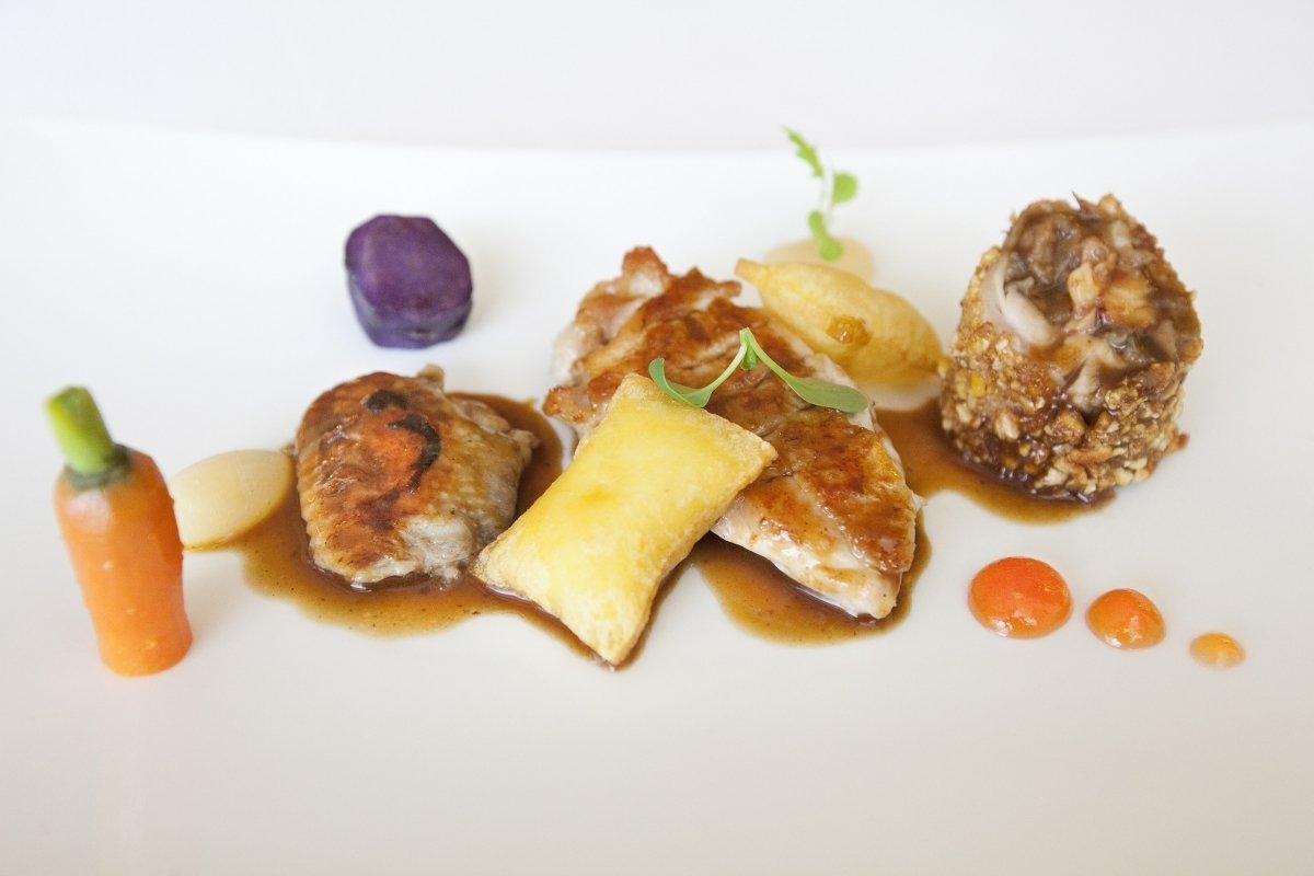 Plato de carne del restaurante El Serbal