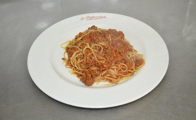 Plato de espaguetis boloñesa de La Pappardella
