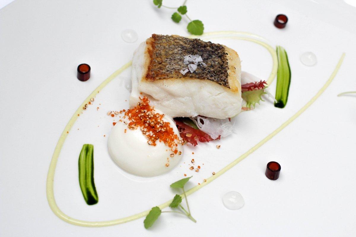 Plato de pescado del restaurante Kokotxa