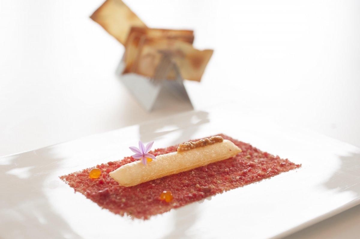 Plato de tartar de buey del Akelarre