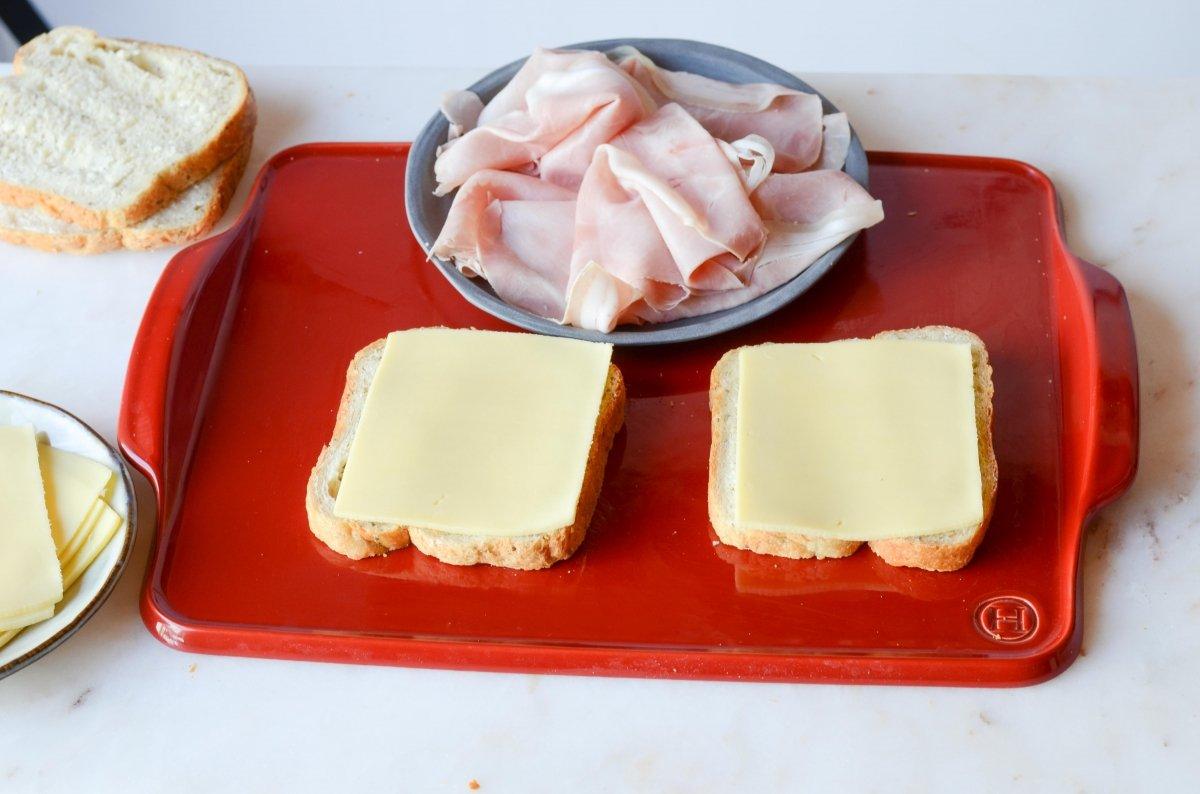 Ponemos el queso para los sandwich
