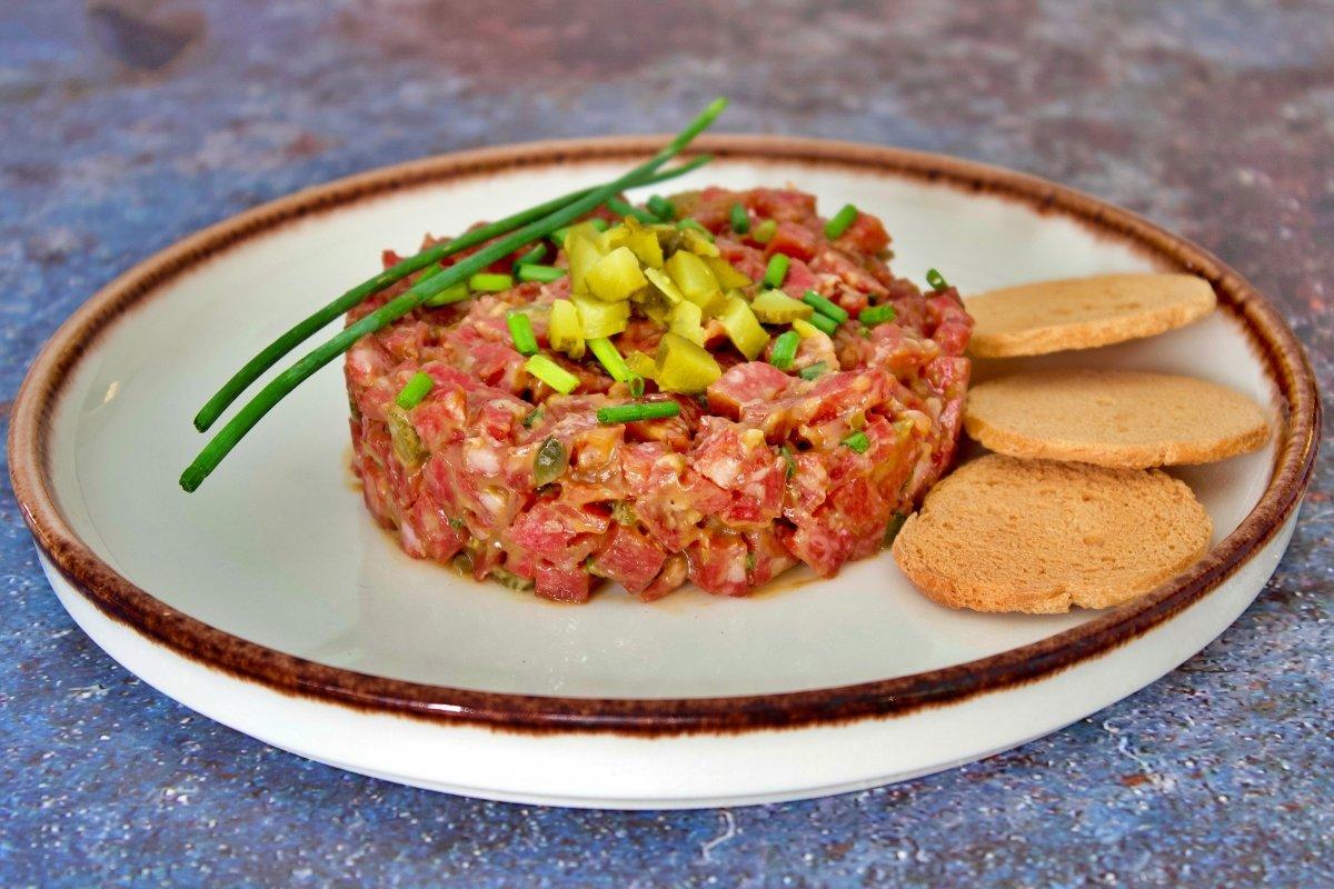 Tartar de salchichón