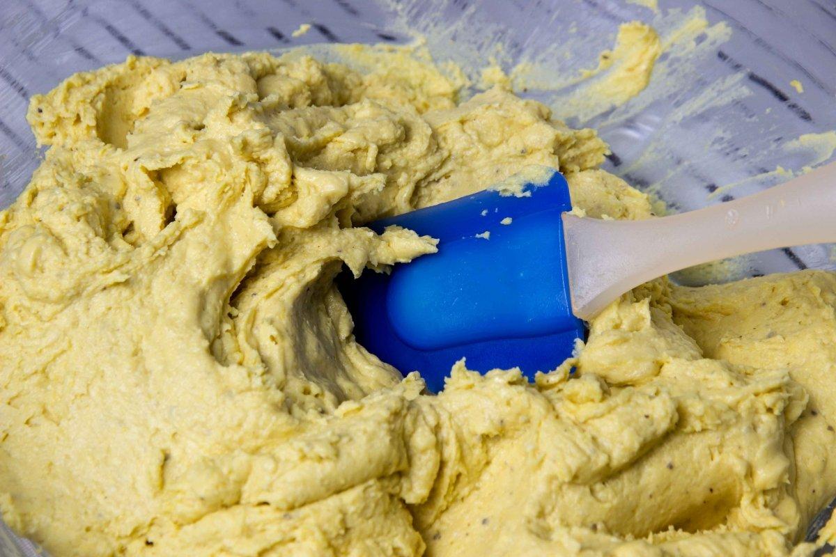 Preparar la masa de los tamales