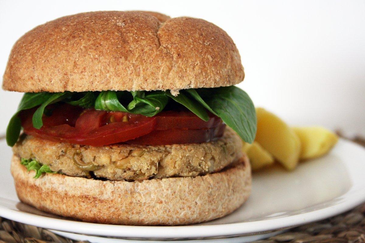 Presentación de la hamburguesa de tofu