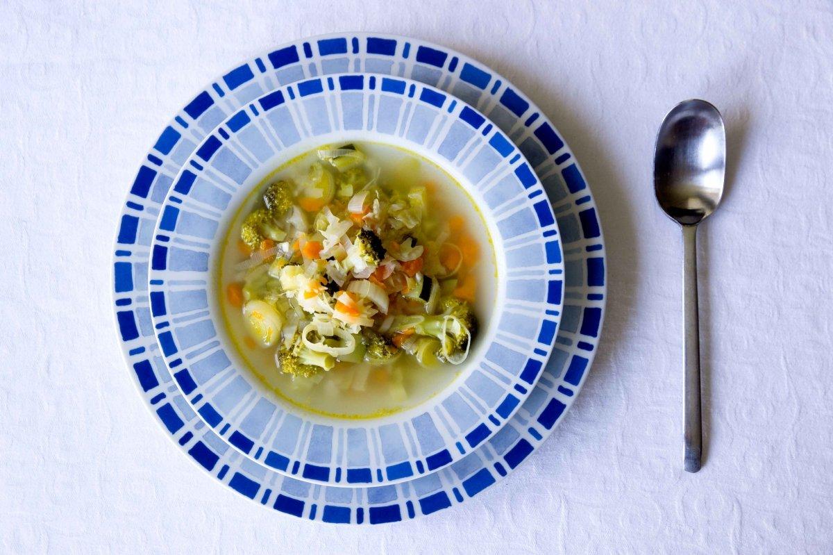 Presentación final de la sopa de verduras