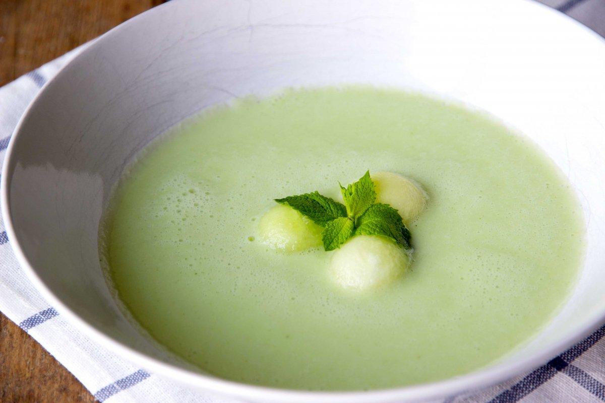 Sopa de melón y menta (gazpacho)
