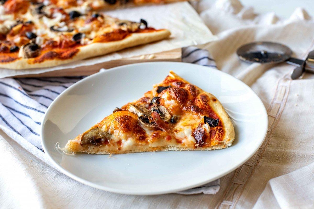 Presentación principal de la pizza romana