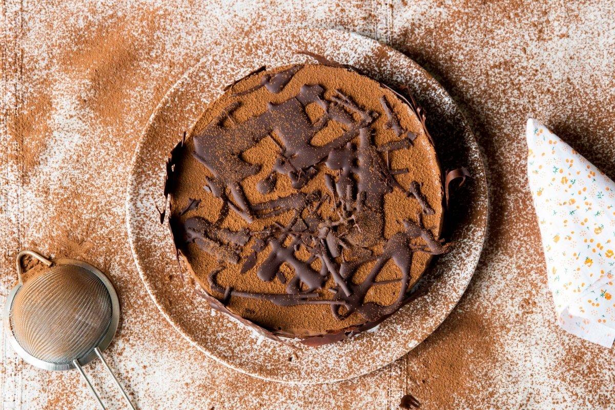 Presentación principal de la tarta de chocolate