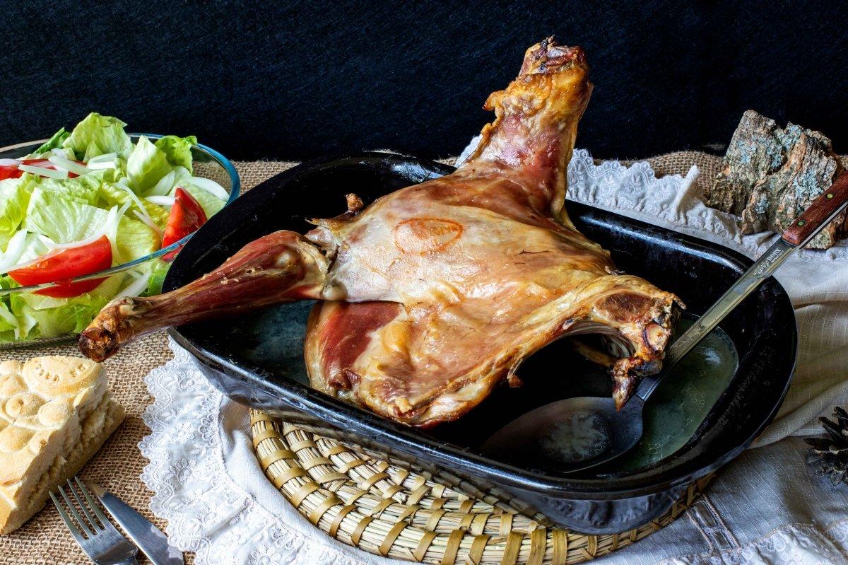 Lechazo asado (al horno)