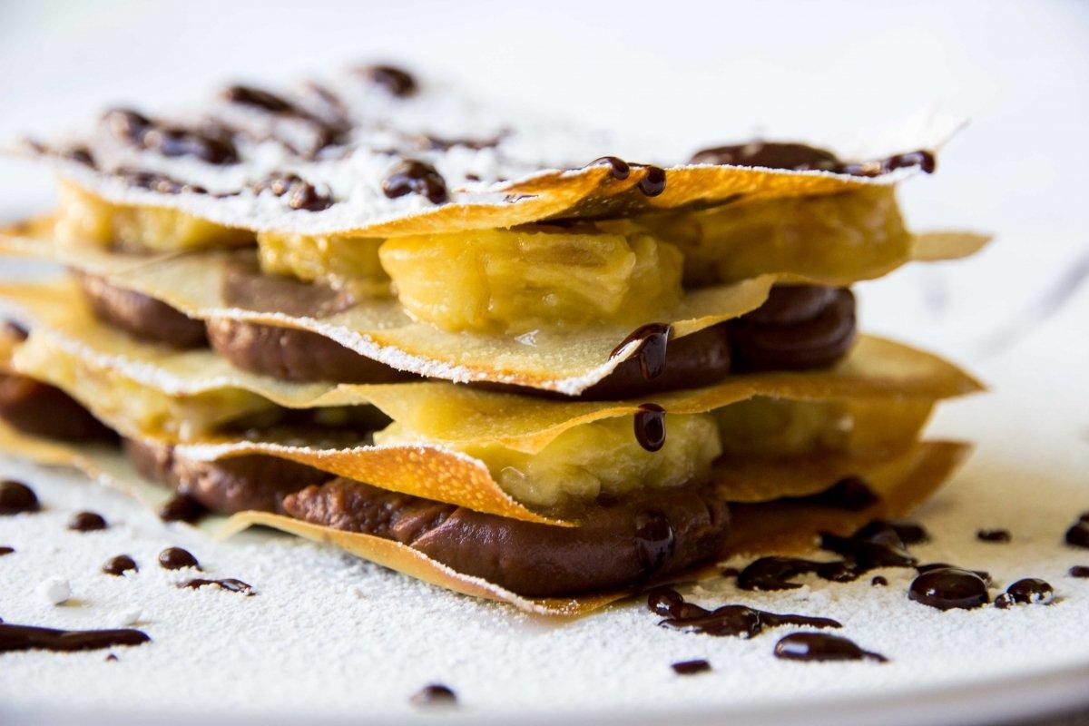 Milhojas de chocolate y plátano