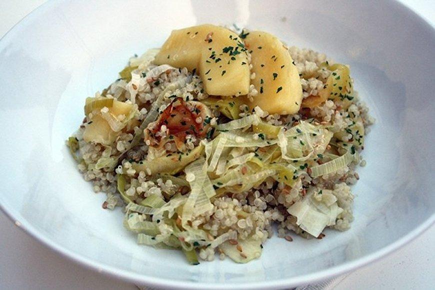 Quinoa servida en plato