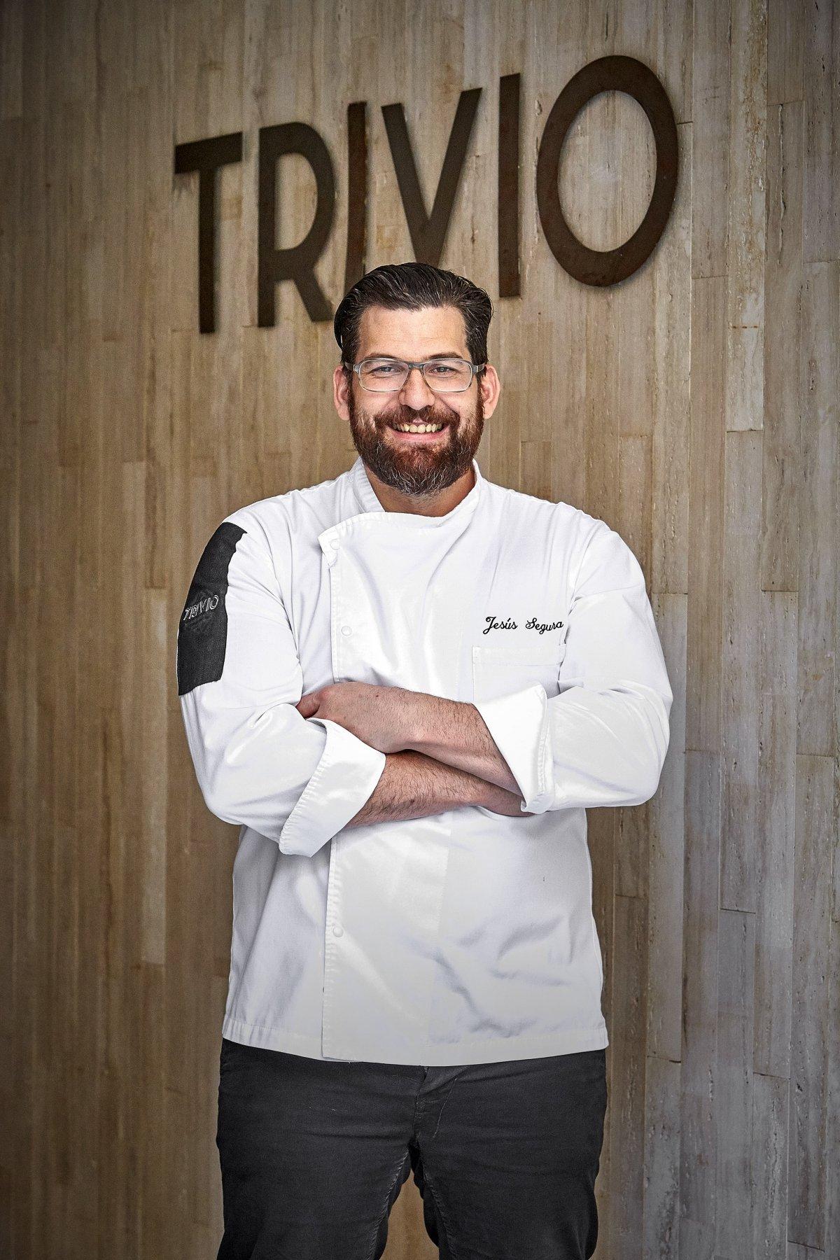 Retrato de Jesús Segura, chef del restaurante Trivio