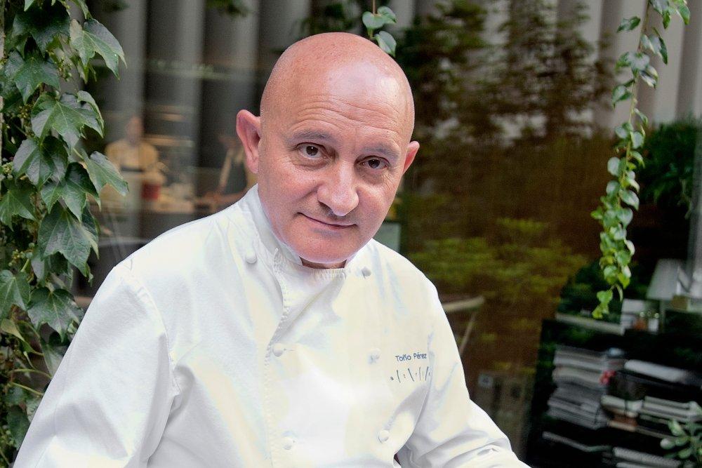 Retrato de Toño Pérez, chef de Atrio
