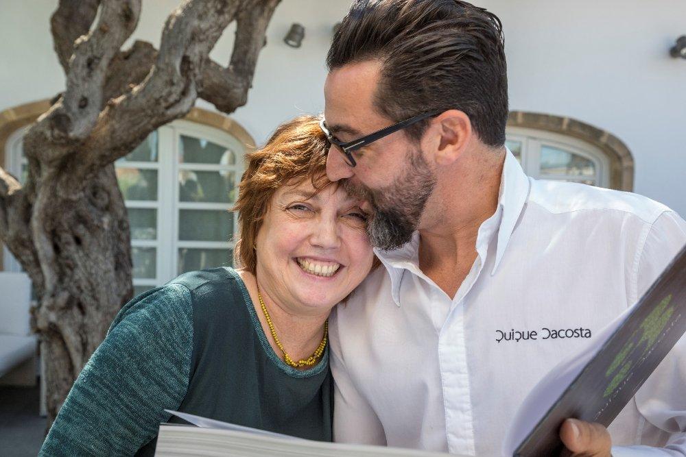 Rosa Rivas junto a Quique Dacosta