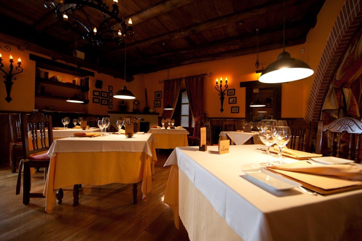 Sala del restaurante El Ermitaño