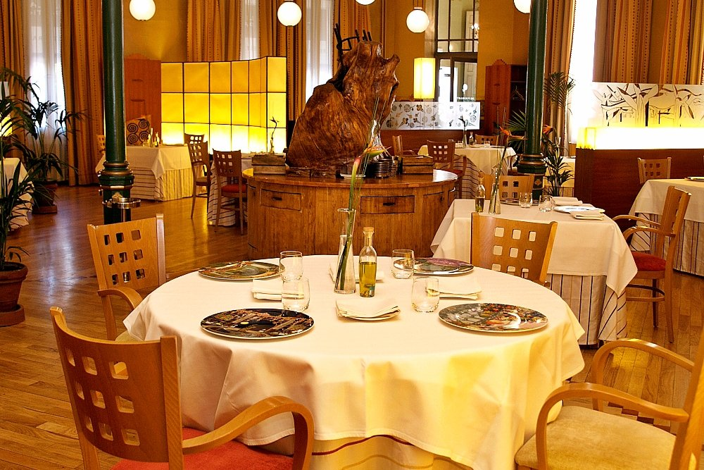 Sala del restaurante Lillas Pastia