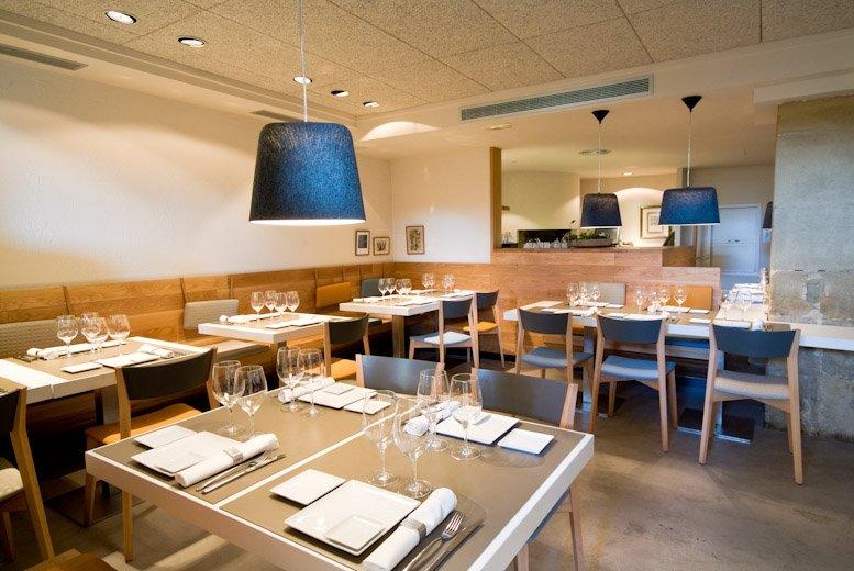 Sala del restaurante Narru