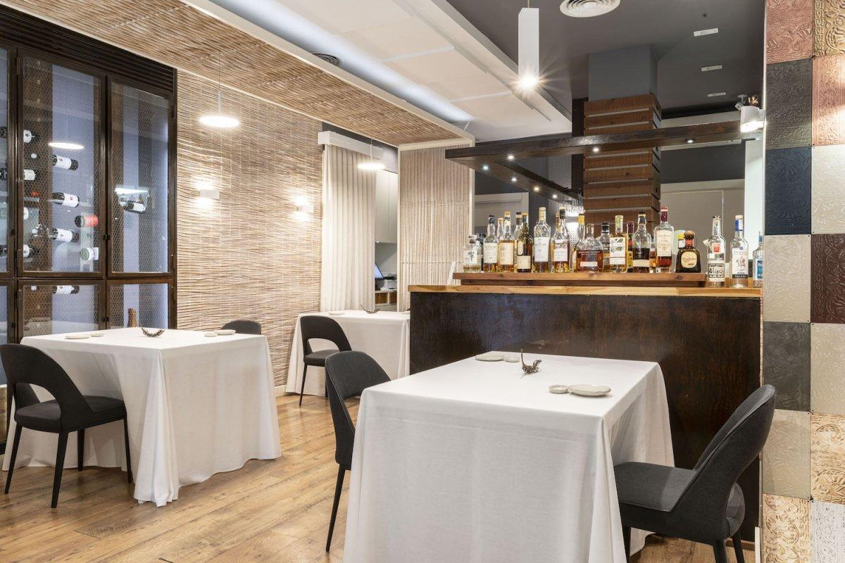 Sala del restaurante Saiti de Vicente Patiño