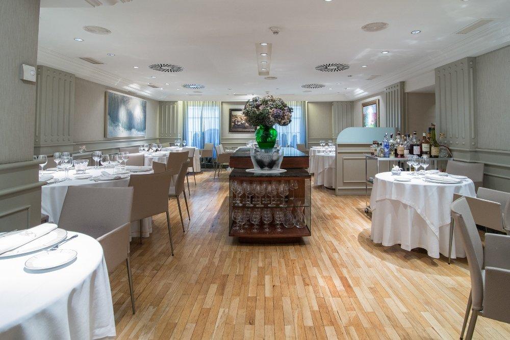 Salón interior del restaurante Europa