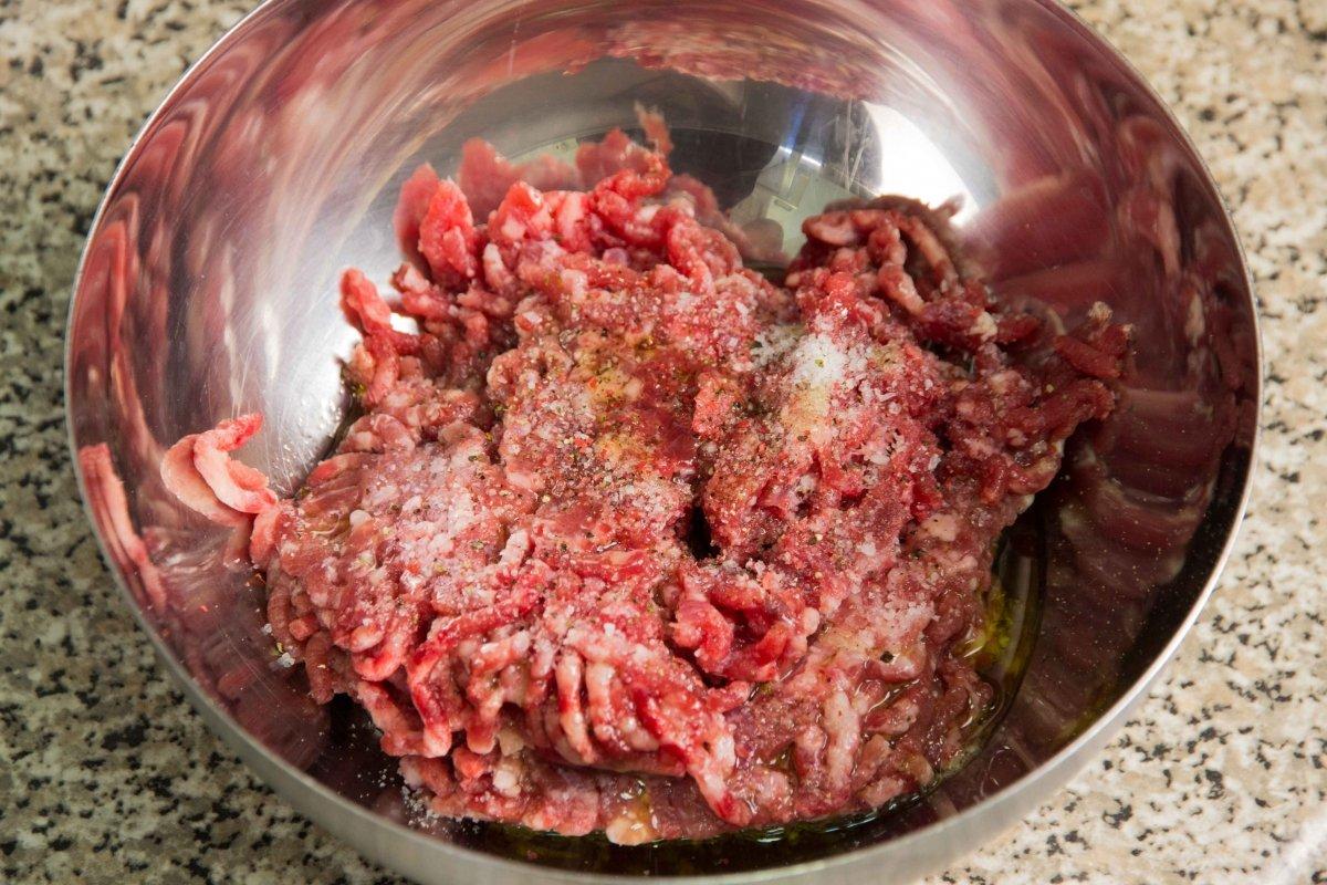Salpimentar la carne