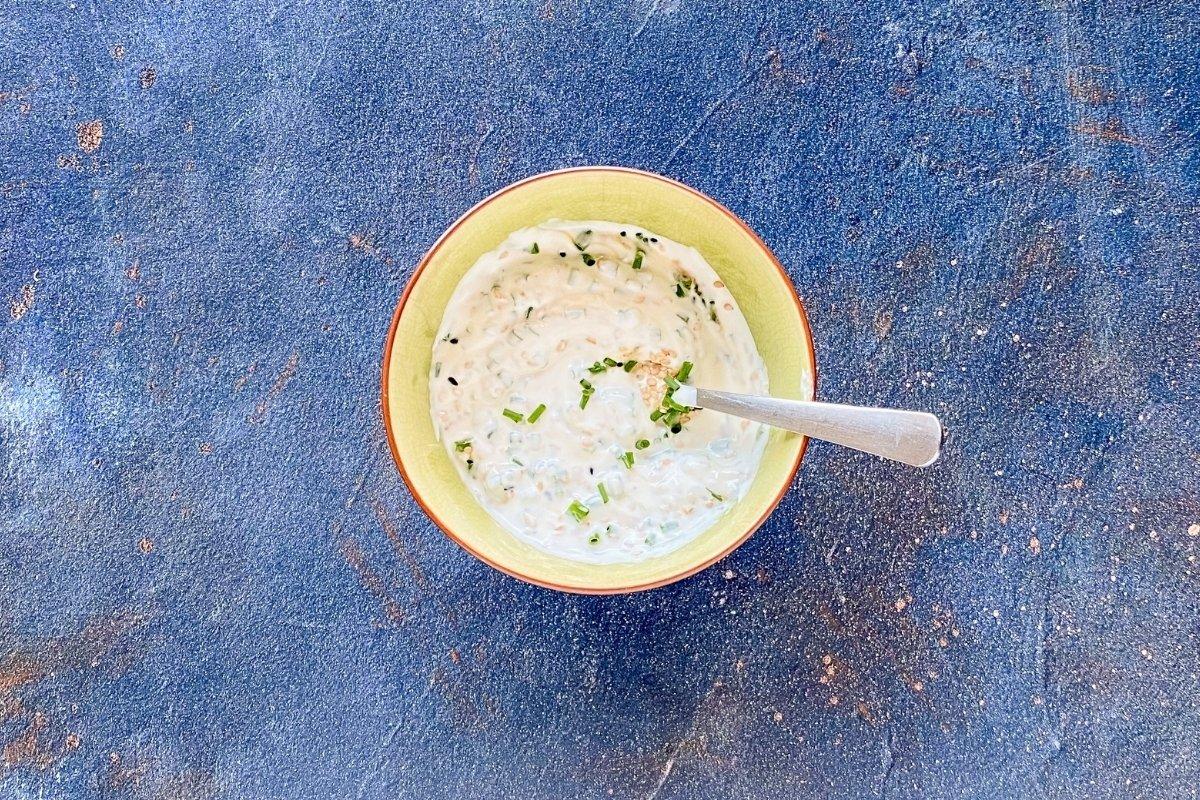 Salsa de yogur griego para ensalada de brócoli