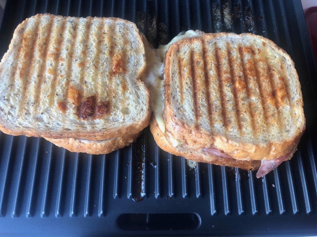Sandwich recién tostado