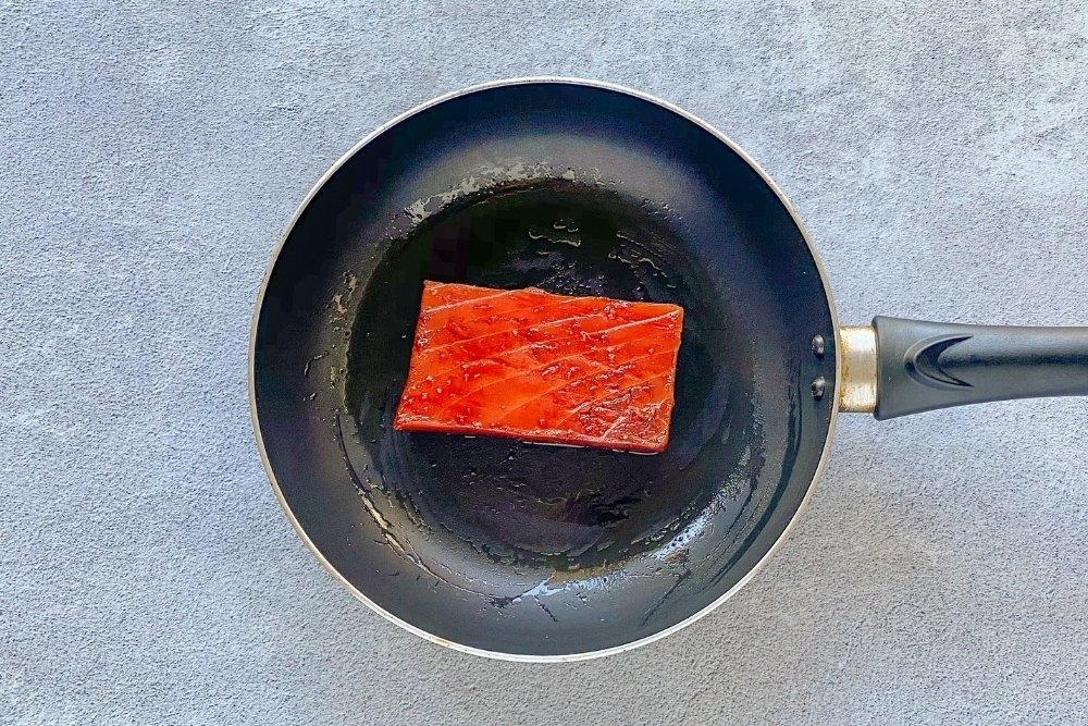 Sellar el lingote de atún fresco