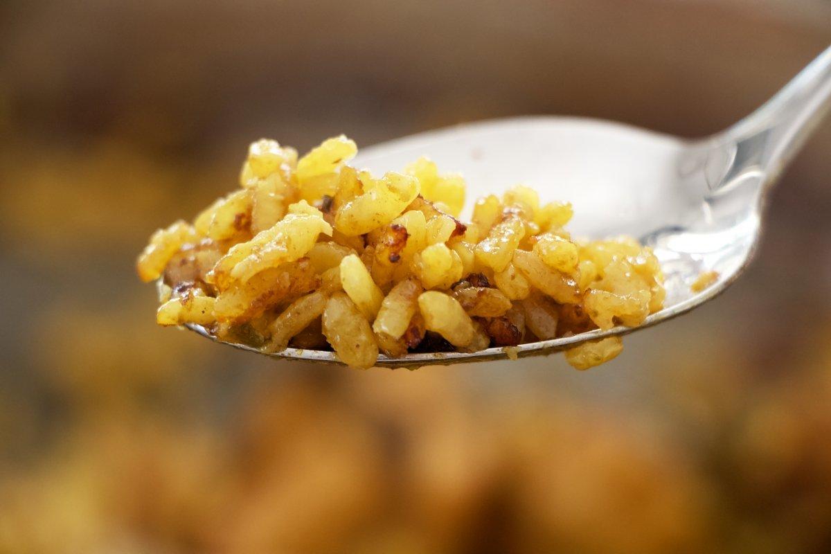 Socarrat de una paella valenciana