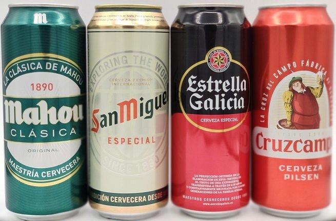 Surtido de latas de diferentes cervezas españolas