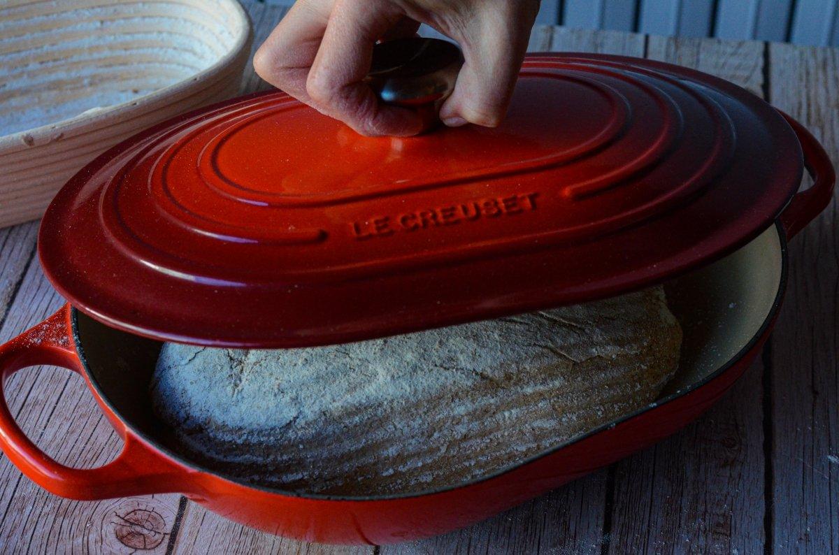 tapamos la olla con el pan dentro