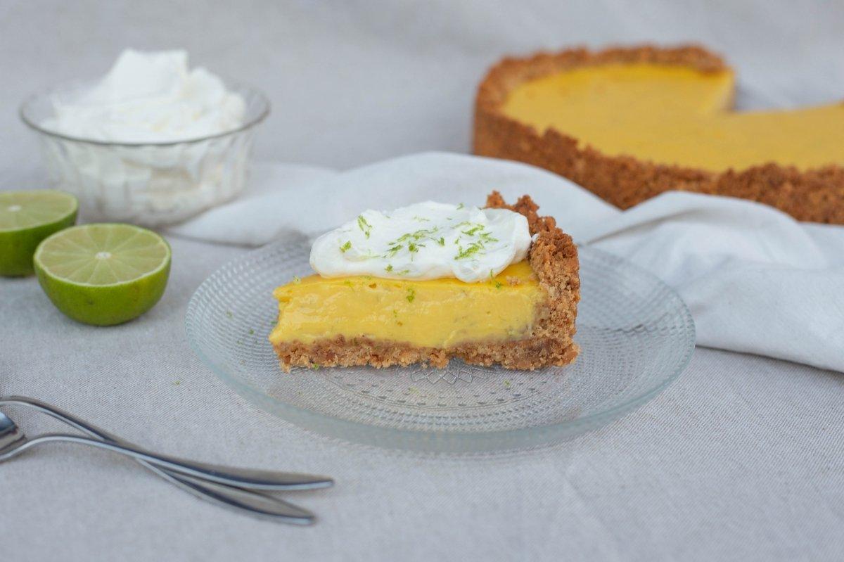 Tarta de lima y mango