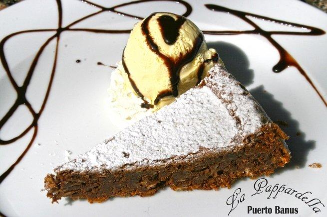 Torta Caprese elaborada en La Pappardella