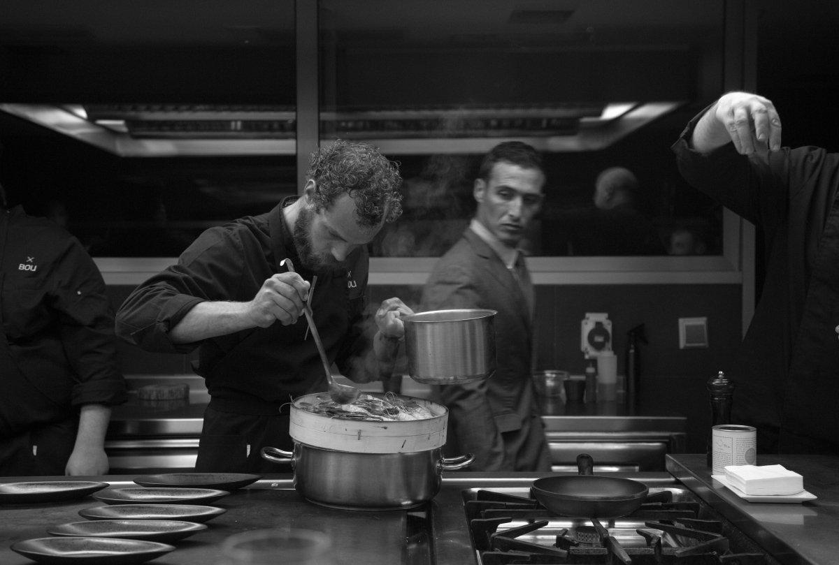 Trabajo en la cocina de Bou Restaurant