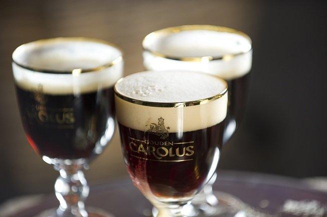 Tres copas de Gouden Carolus Classic