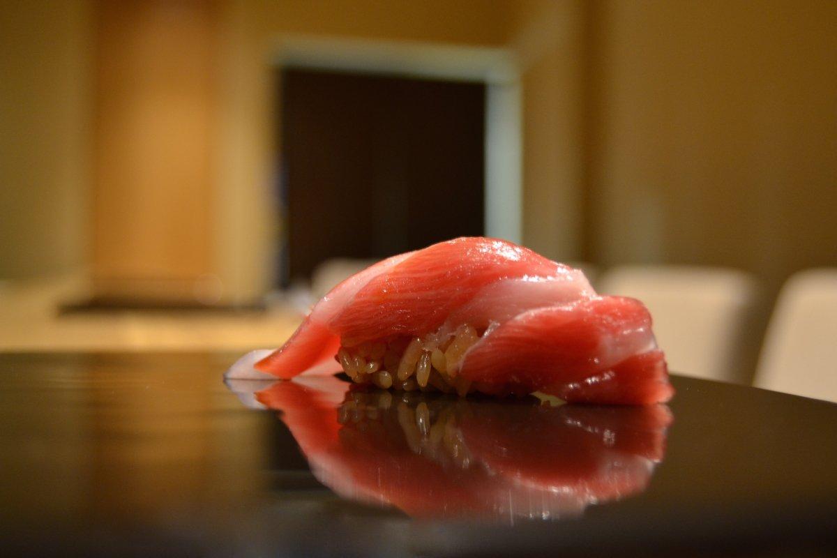 Un nigiri en Kiro Sushi