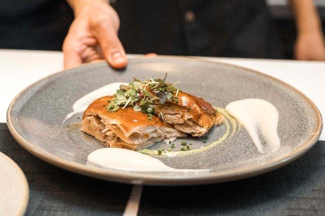 Un plato de carne en el restaurante Óleo