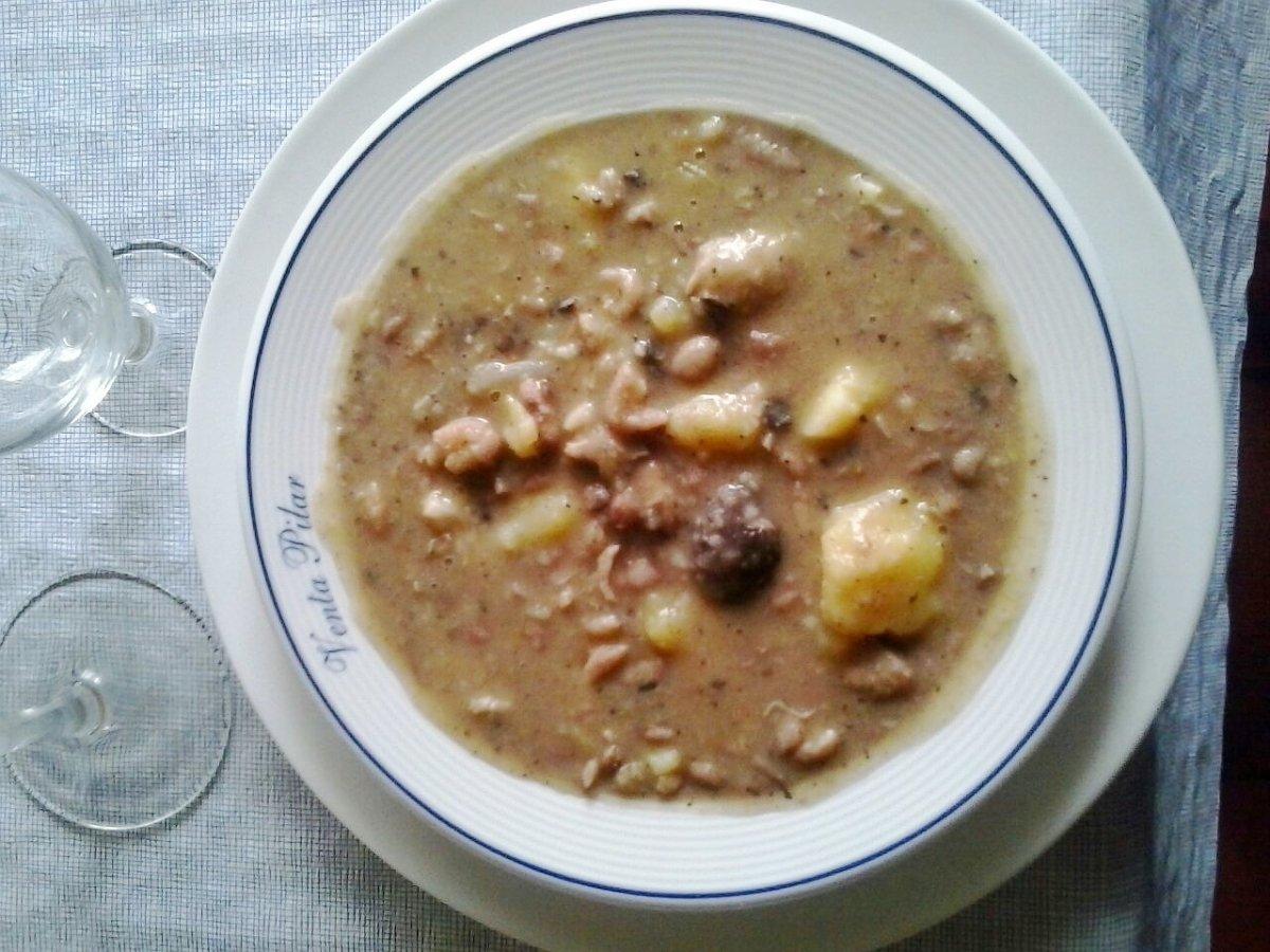 Un plato de olla podrida, típica de la gastronomía de Buñol