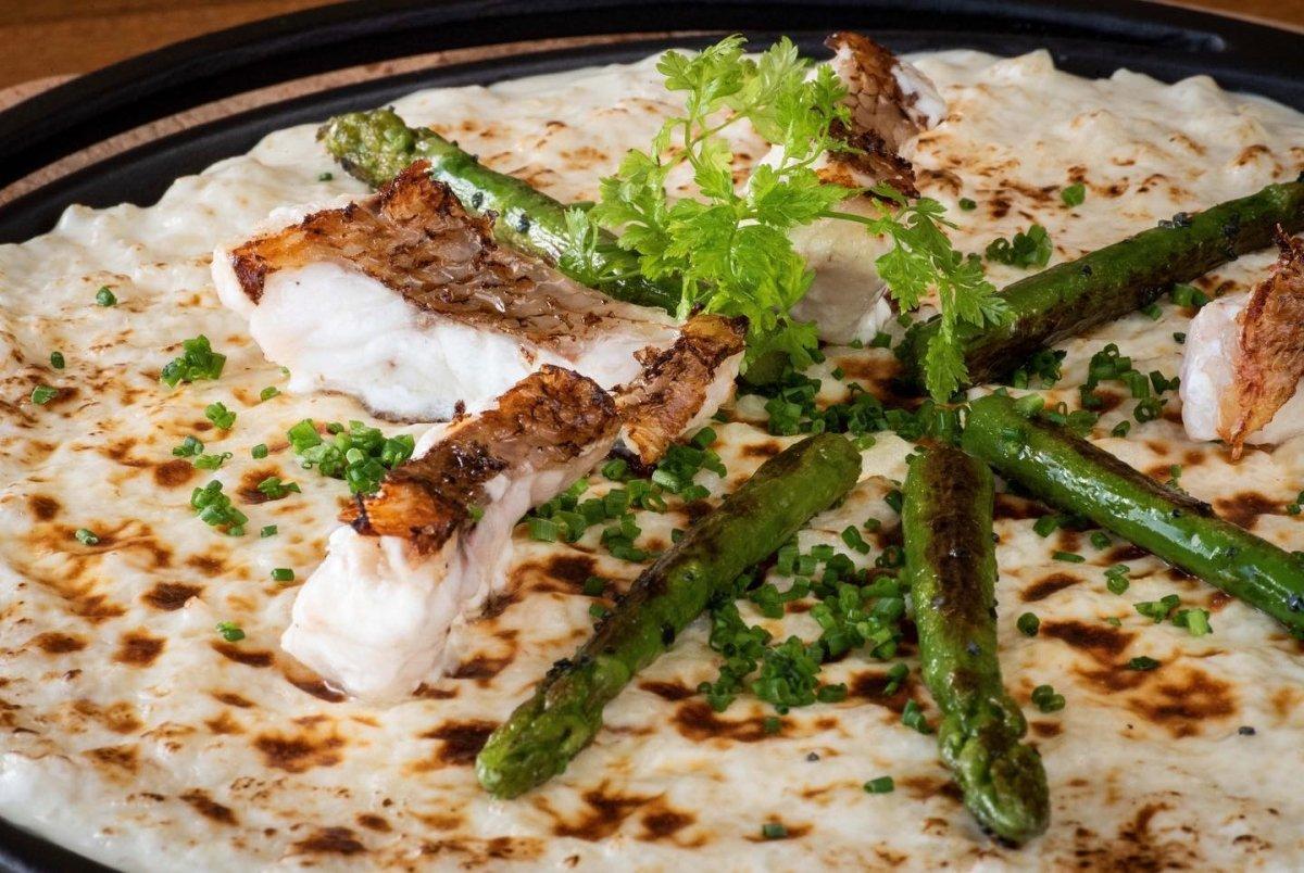 Un plato de pescado de Cormorán