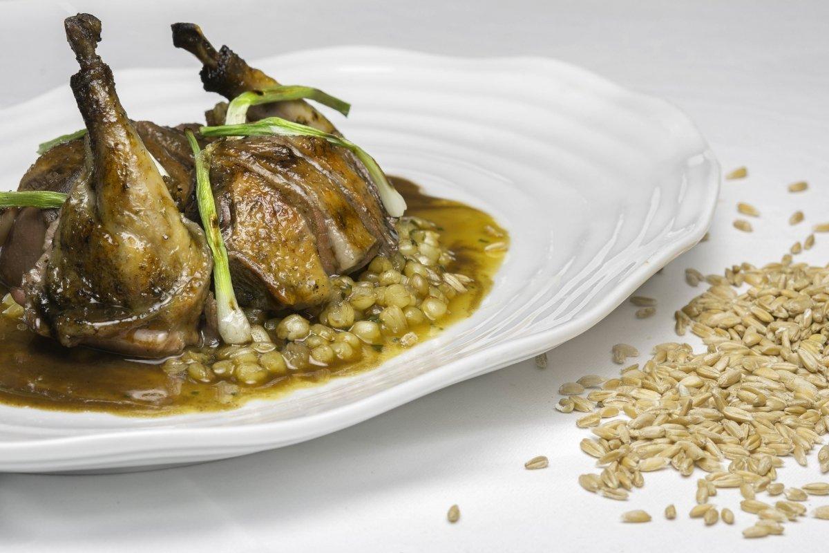 Un plato de pichón de El Molino de Alcuneza