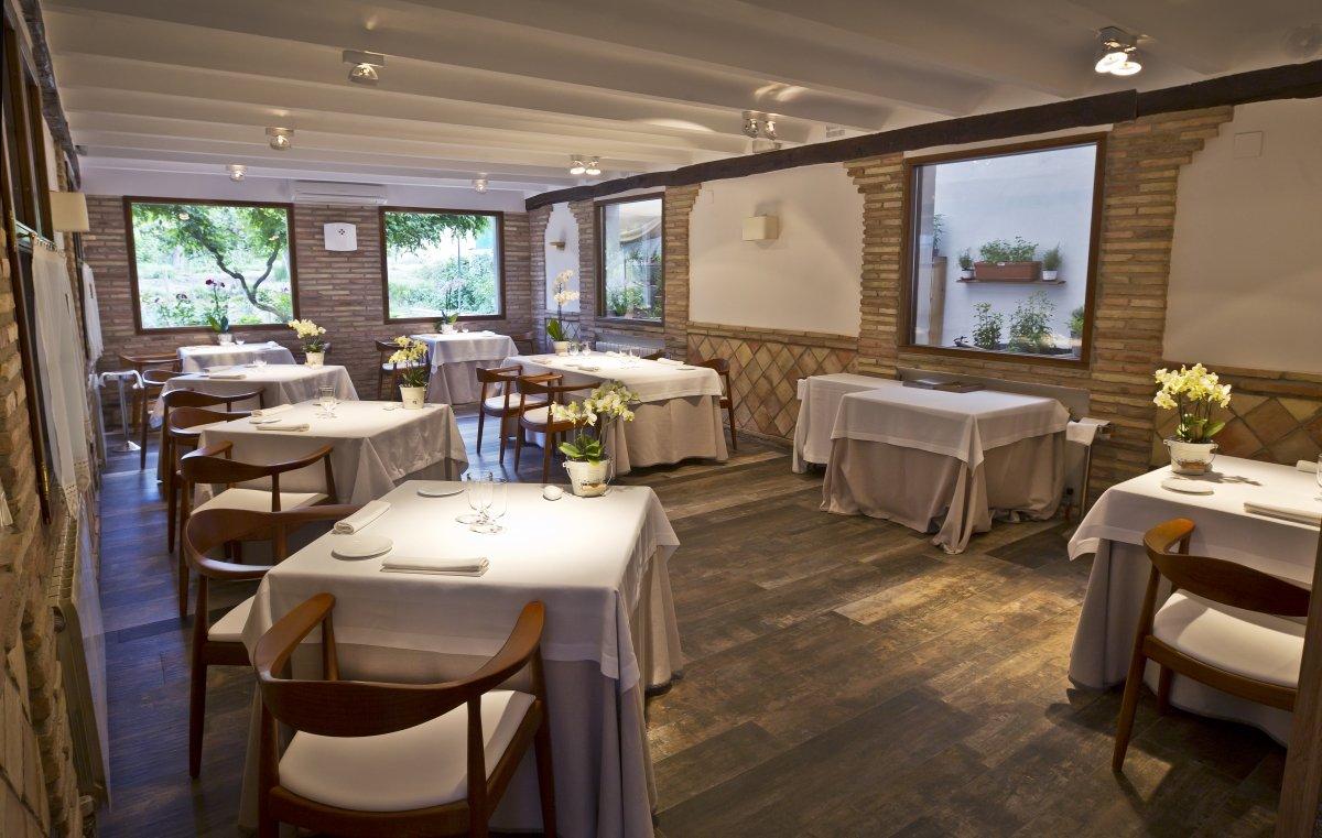 Una sala del restaurante Venta Moncalvillo