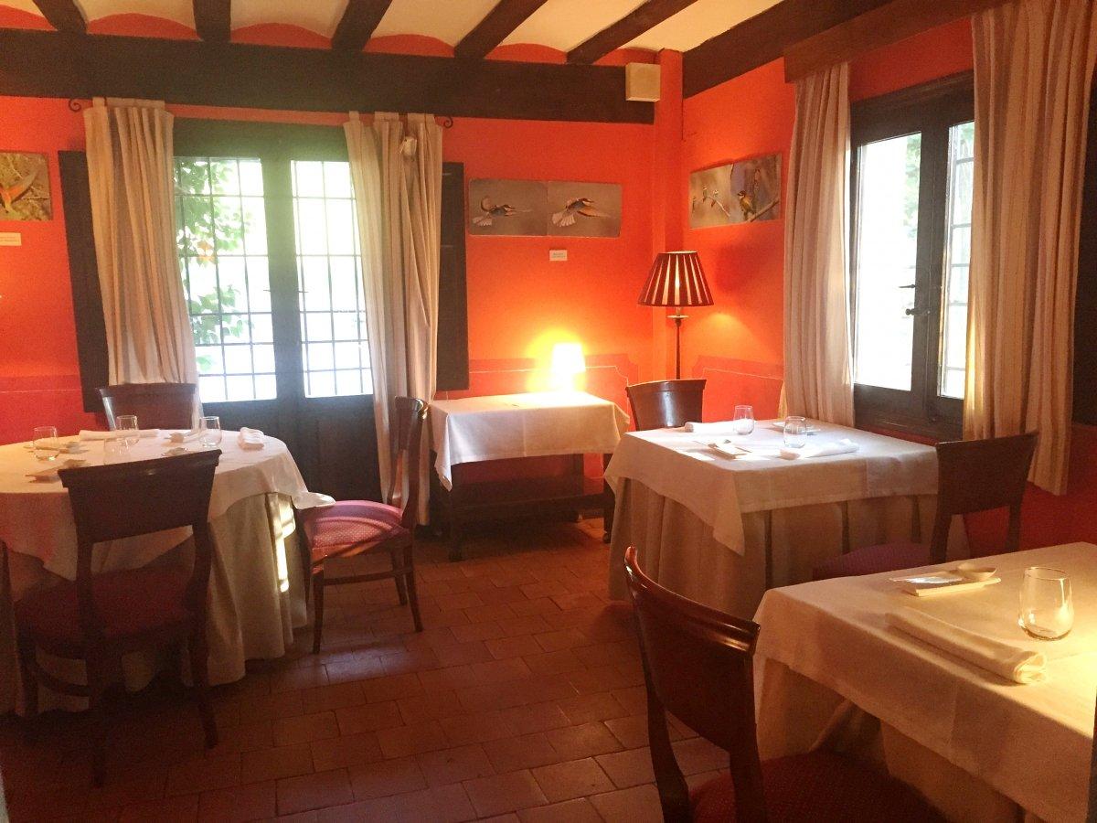 Una vista de la sala del restaurante El Batán