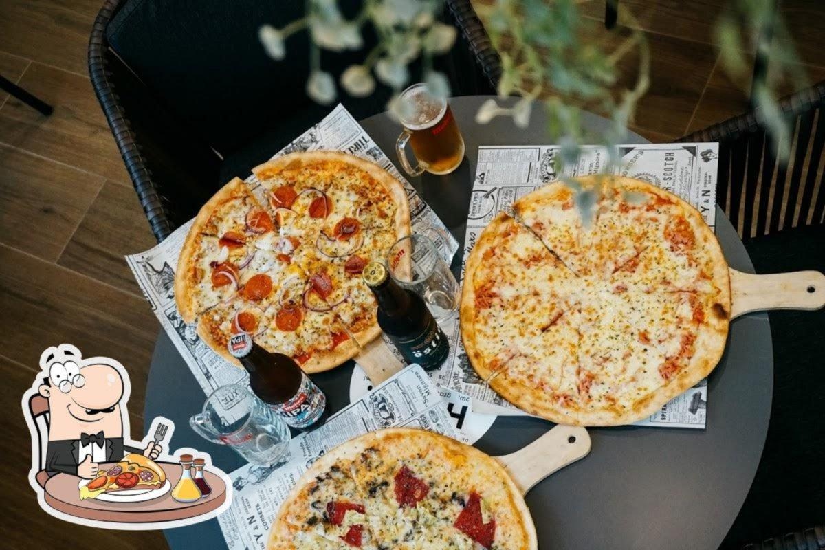 Varias pizzas de Del Poble Pizzería