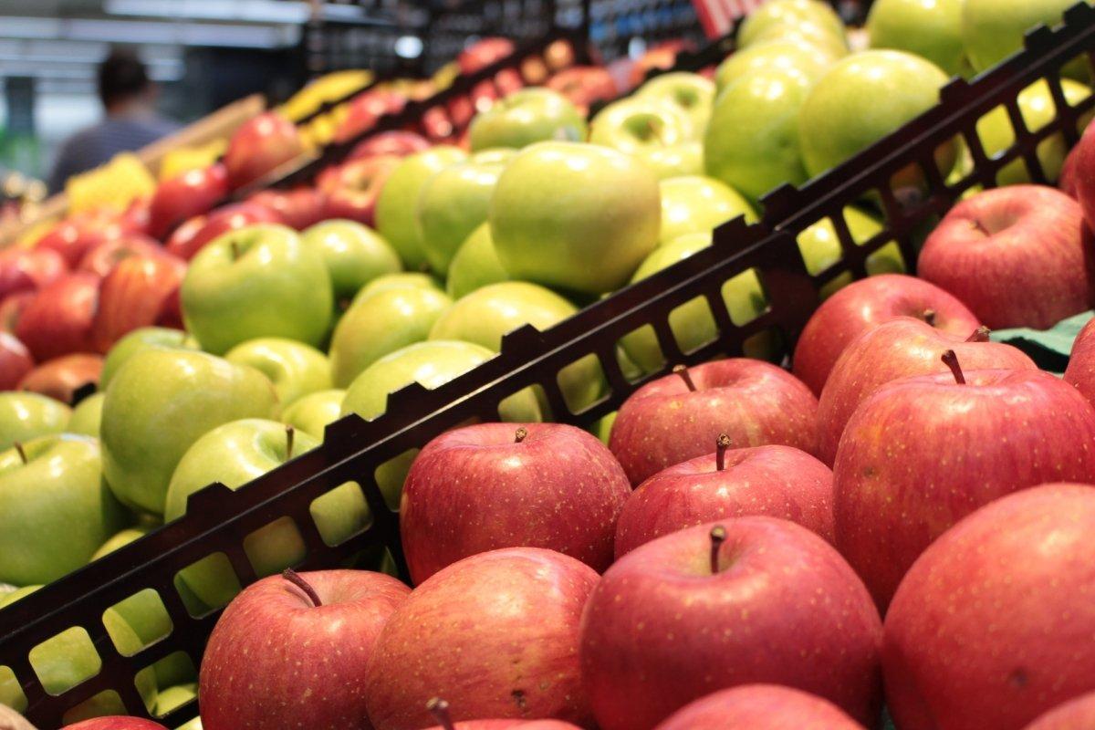 Varios tipos de manzanas
