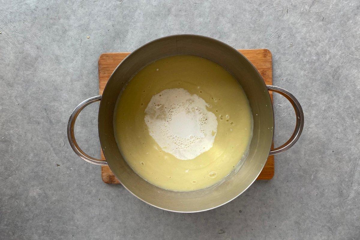 Vichysoisse de manzana, pera y apio batida