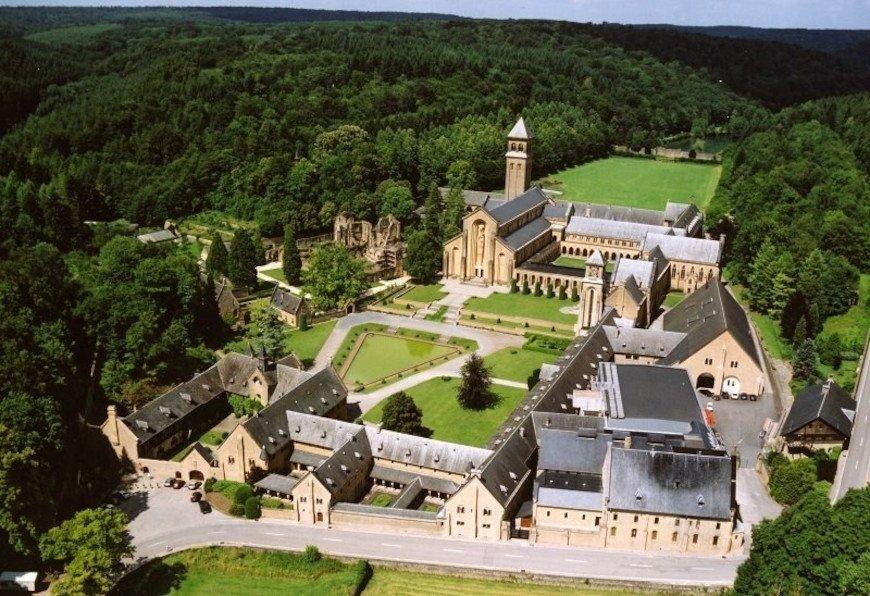 Vista aérea de la Abadía de Nuestra Señora de Orval
