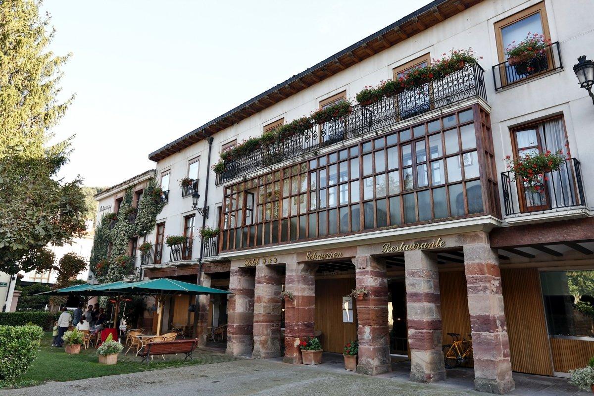 Vista exterior del Hotel Gastronómico Echaurren